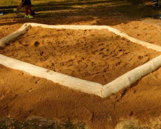 Neuer Sandkasten für den Spielplatz im Zentrum von Lieskau